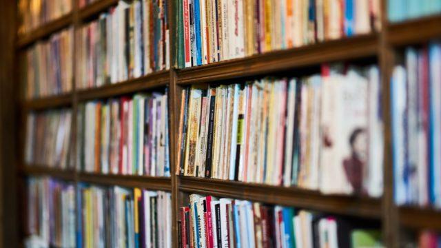 本棚の画像です。